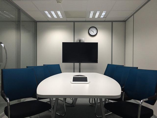 Ilustração sobre tradução videoconferência para reunião ou eventos.